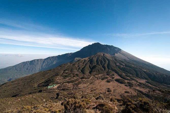 4 Days Mount Meru Climbing Momela Route